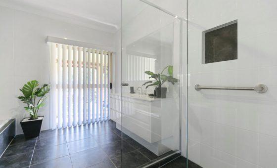 ark bathroom3